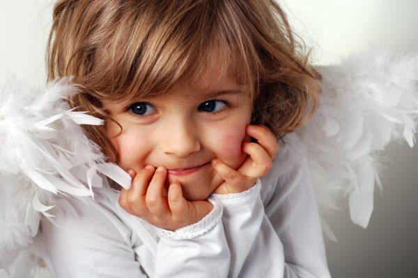 usmiech dziecka aniolek fotolia