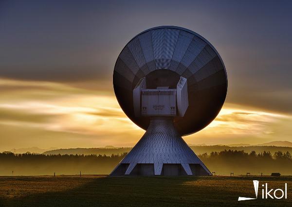 Naziemna stacja satelitarna
