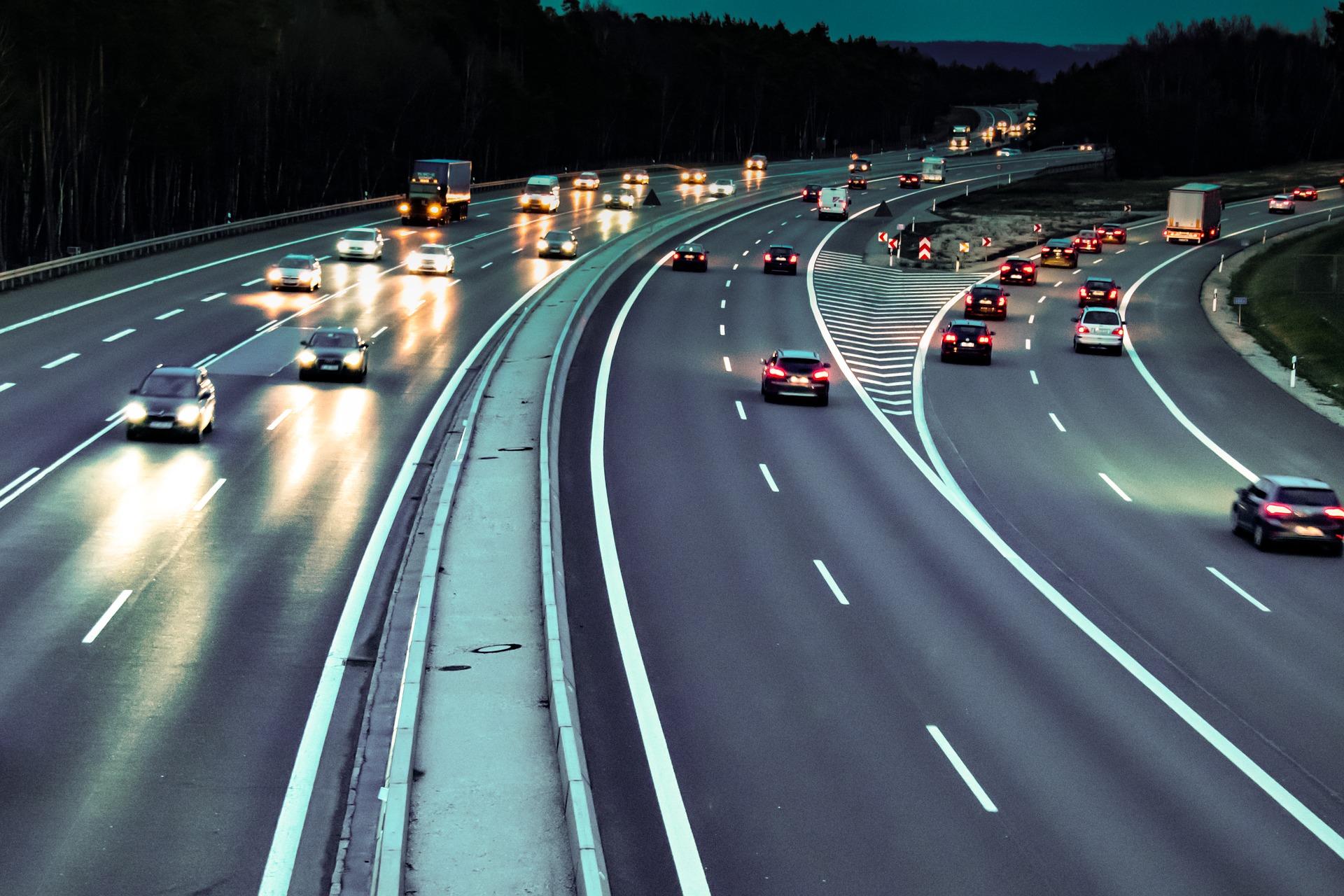 ecodriving i alerty potrzebne w monitornigu gps samochodów