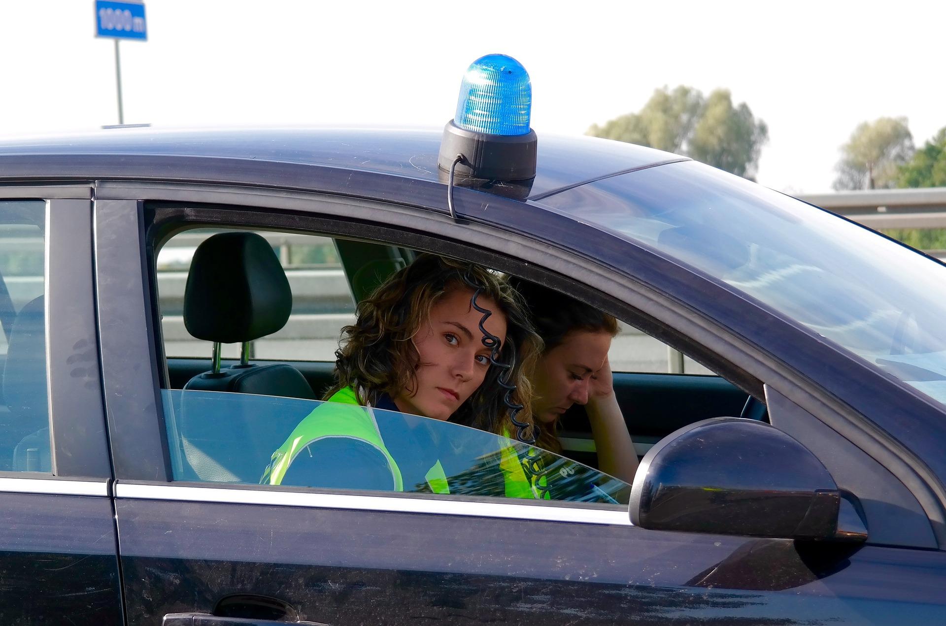 policjantka kontrola drogowa