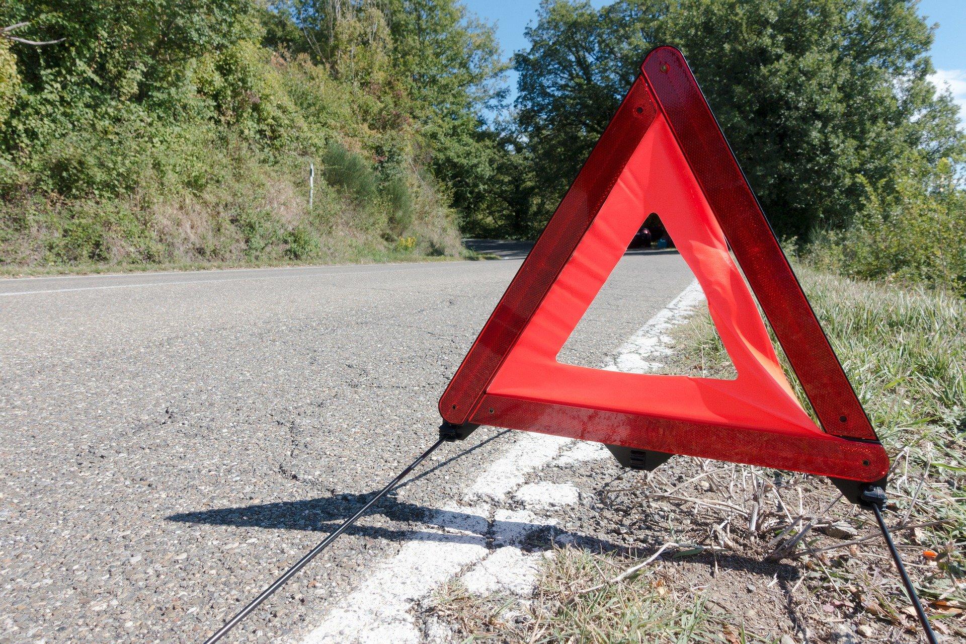 trojkat ostrzegawczy - awaria samochodu