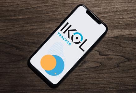 Telefon z aplikacją IKOL Tracker